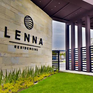 Foto de acceso controlado en Lenna Residencial, en Zákia, Querétaro.