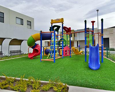 Área de juegos infantiles de fraccionamiento Lenna Residencial.