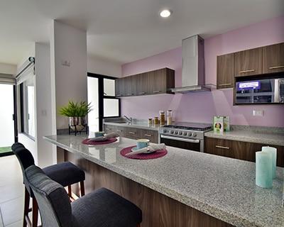 Cocina de casa modelo Lenor II en Lenna Residencial.